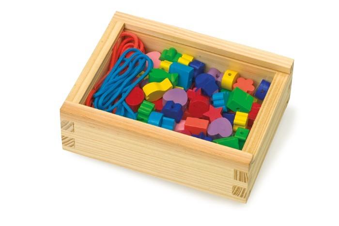 Mix barevných korálků v dřevěné krabičce